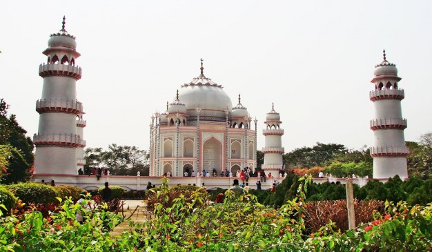 image of Tajmahal of Bengal