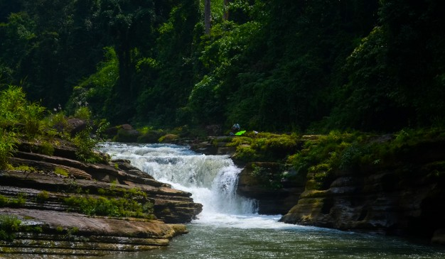 image of Amiakhum Waterfall