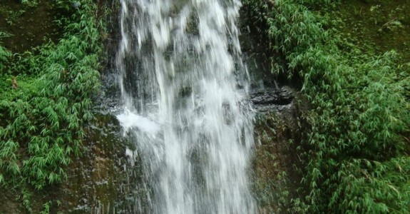 Himchhari Waterfall